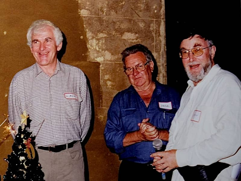 Jack Mundey (middle) with Albert Mispel (left) and Bruce Davis (right) at the 30th anniversary Christmas Party at Lyndhurst in 1999 (Photo: Phil Vergison)
