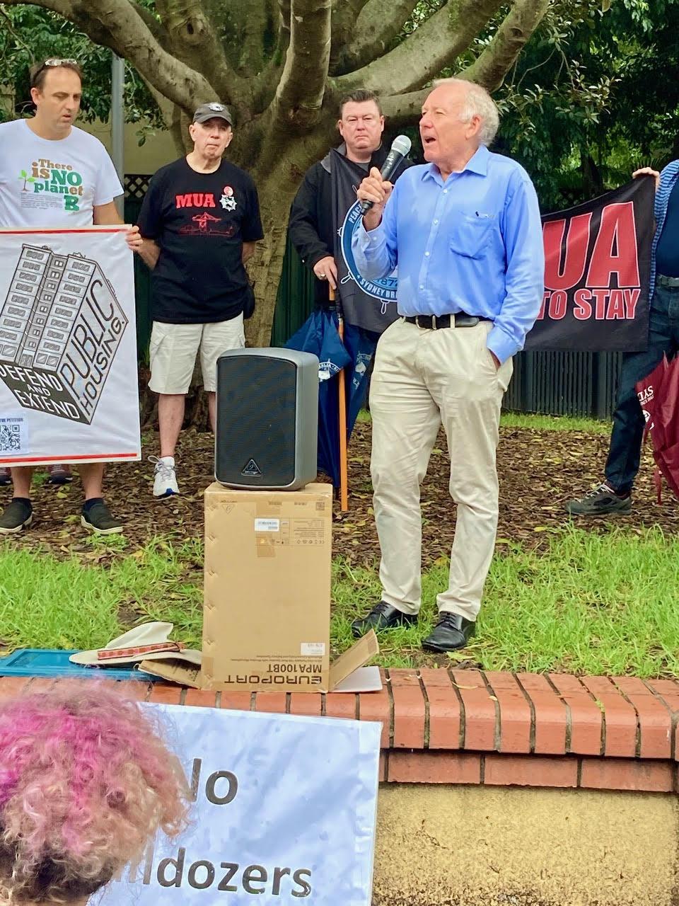 Ian Stephenson addressing Hands Off Glebe rally