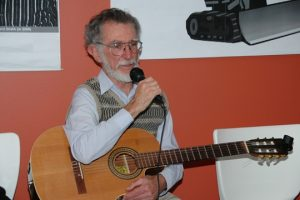John Dengate at the 2009 40th Anniversary Party of the Glebe Society (image: Phil Young)
