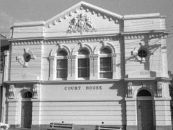 Glebe Police Court (photo: Bernard Smith)6