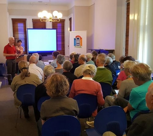 Smartphone 101 event (Image: Bill Simpson-Young)