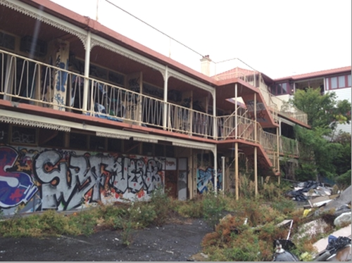 The abandoned former University Hotel, (image: http://tubby1.com/)
