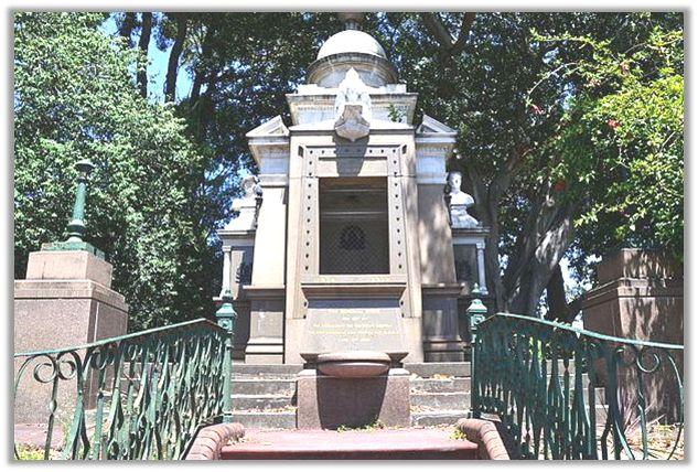 Glebe War Memorial (image Sardaka)
